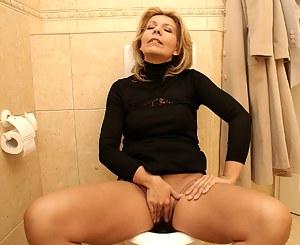 Masturbation XXX Pictures