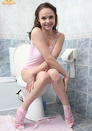 Toilet XXX Pictures