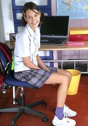 Schoolgirl XXX Pictures